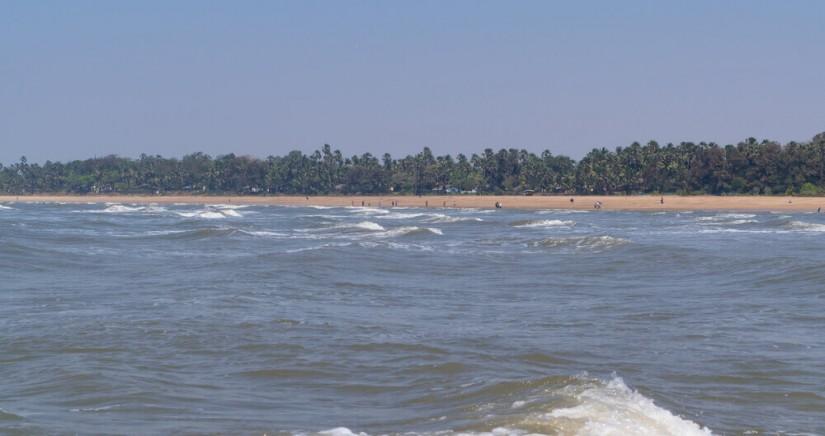 aksa-beach-2.jpg